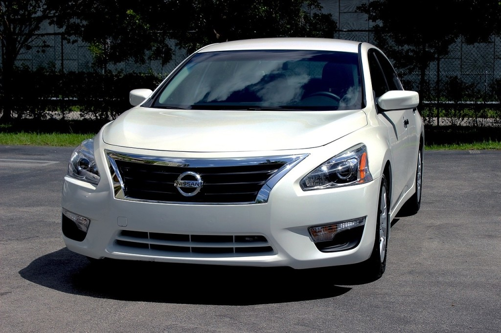 white nissan altima