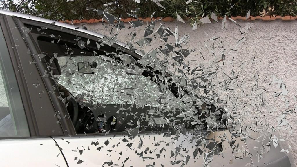 car shattered glass